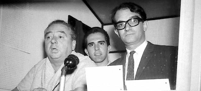 """Δεξιά με τα γυλιά ο Κάρλος Σολέ, στα δημοσιογραφικά του """"Σεντενάριο"""""""