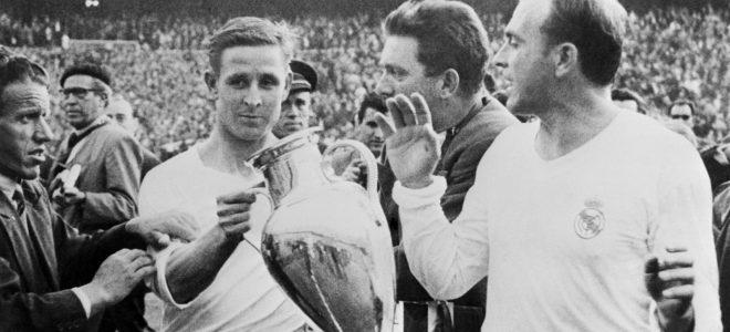 Ρεϊμόν Κοπά, εγγονός Πολωνών μεταναστών, γιος ανθρακωρύχου, εδώ με το Κύπελλο Πρωταθλητριών του 1957 και τον Ντι Στέφανο